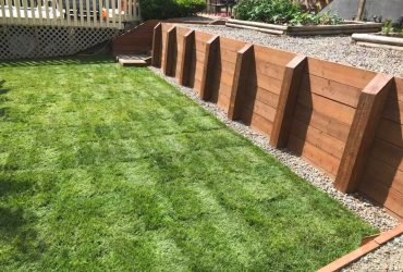 Wood Tie Retaining Wall & Turf Install (4)